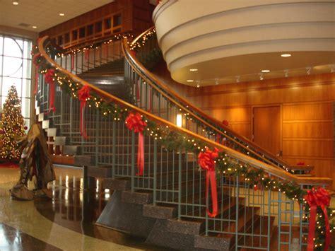 invite  customers  invoke  holiday spirit