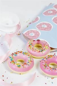 Seife Mit Rohseife Selber Machen : seife selber machen in donut form originelle diy geschenkidee ~ Lizthompson.info Haus und Dekorationen