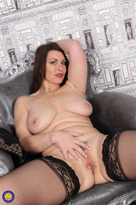 Mature Mom In Stockings Appears In The Best Milf Sex Pics