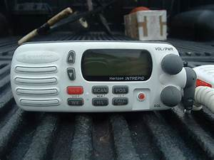 Standard Horizon Intrepid Vhf Radio Like New - The Hull Truth
