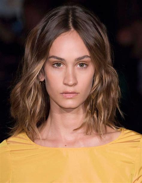 coiffure  femme mi long les   belles coiffures