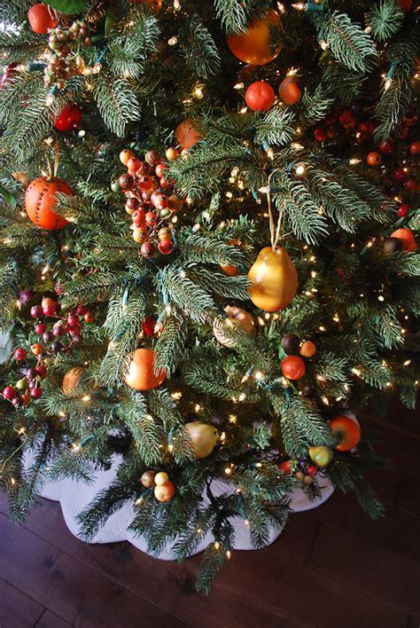 williamsburg fruit christmas tree theme balsam hill blog