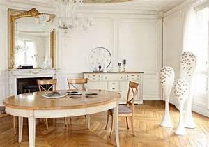 Spiegel Im Esszimmer : elegante ausstattung im esszimmer mit rustikalen m beln ~ Orissabook.com Haus und Dekorationen