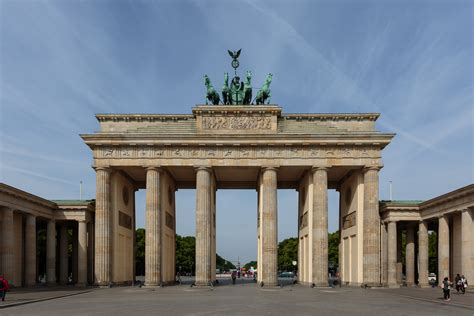 file berlin 0266 16052015 brandenburger tor jpg wikimedia commons