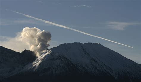 Us Mount St Helens Volcano Shows Signs Of Refuelling