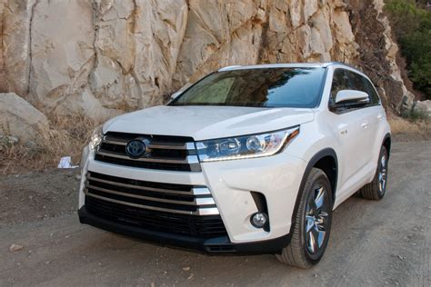 2017 Highlander Price by Prices And Features Of The 2017 Toyota Highlander