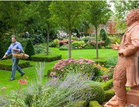 Alan Titchmarsh Reveals His Own Little Piece Of Garden