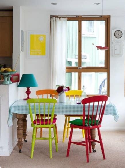 colorful kitchen chairs cadeiras de madeira colorida fotos e imagens decorando 2342
