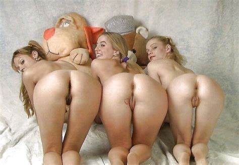 Group Mooning Mature
