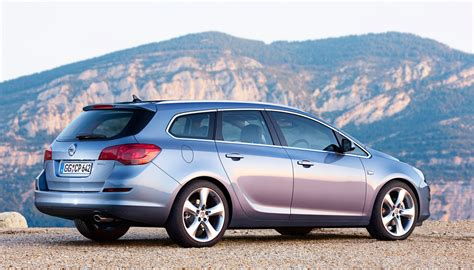 Opel Automobiles Sport by 2011 Opel Astra Sports Tourer Is Priced At 18 000