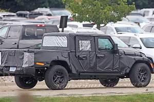 Jeep Wrangler Pick Up : spy shots 2019 jeep wrangler pickup truck details ~ Medecine-chirurgie-esthetiques.com Avis de Voitures