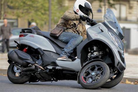scooter permis b 500 essai piaggio mp3 350 et 500 hpe premier test des nouveaux mp3 scooter
