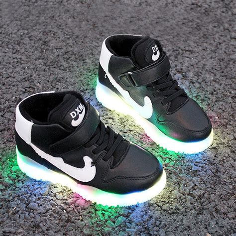 new nike light up shoes nike light up shoes green