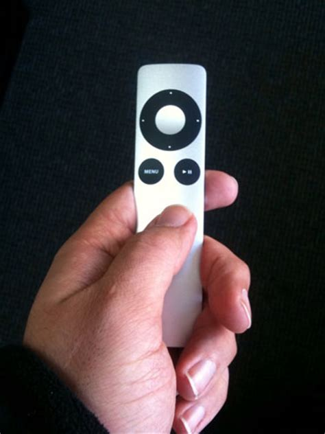 an iphone remotely review apple aluminum remote for iphone and ipod