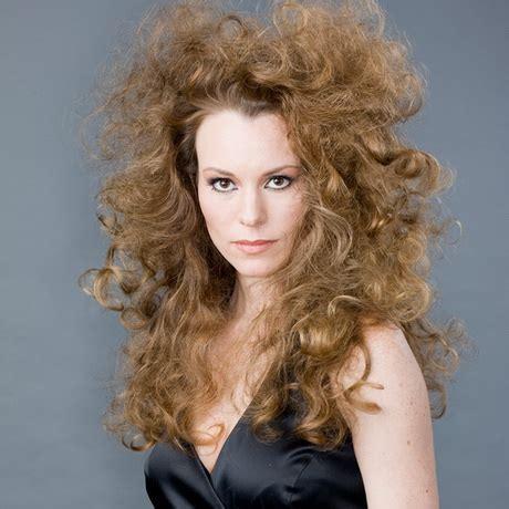 haarschnitte fuer lockiges haar