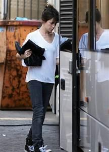 Instagram Charlotte Gainsbourg : charlotte gainsbourg photos photos charlotte gainsbourg boarding her tour bus in berlin zimbio ~ Medecine-chirurgie-esthetiques.com Avis de Voitures