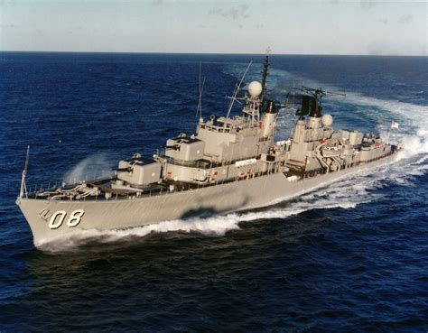 Us Navy 100528-n-3136p-207 An Italian Navy Visit