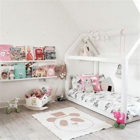 rangement livre chambre 1001 idées pour aménager une chambre montessori