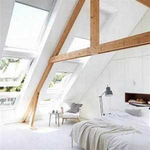 Bett Unterm Fenster : dachschr gen gestalten so richtet ihr euer schlafzimmer perfekt ein ~ Frokenaadalensverden.com Haus und Dekorationen
