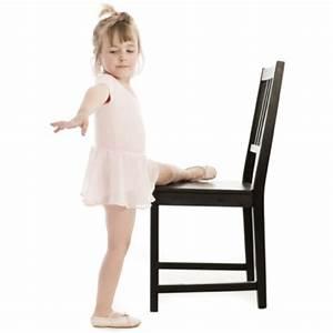 Stuhl Für Kinder : gymnastik f r kinder so nutzen sie einen einfachen stuhl ~ Lizthompson.info Haus und Dekorationen