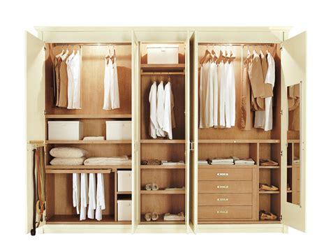 armoire chambre bois massif armoire bois massif pas cher armoire portes en chne