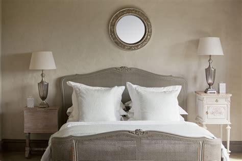 Make Small Bedroom Look Bigger