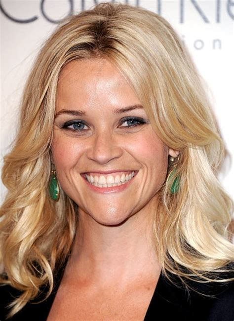 glossy waves reese witherspoons   hairstyles