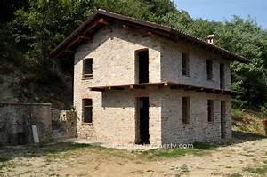 Haus Italien Kaufen : immobilie zur renovierung im piemont italien cortemilia ~ Lizthompson.info Haus und Dekorationen