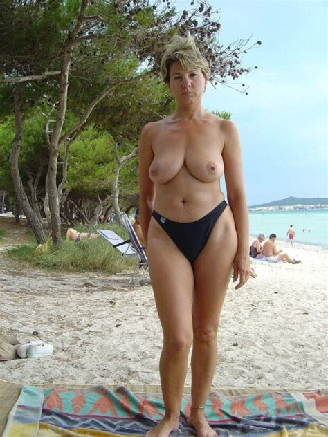 Hot Topless Mature In Spanish Beach Amor Liquido