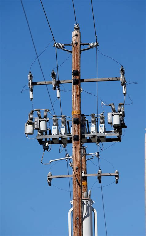 jerry brown vetoes bill easing permits  cell phone towers