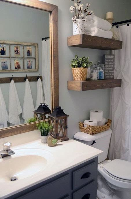 Bathroom Decor Ideas Pictures by Simple Small Bathroom Decor Brings The Ease Inside Of It