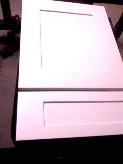 white finished custom  sizes mdf shaker doors