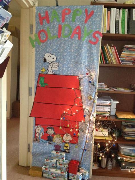 holiday door decorating contest diy pinterest