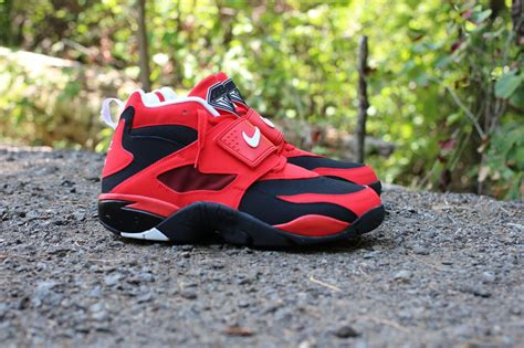 nike air diamond turf challenge red sole collector