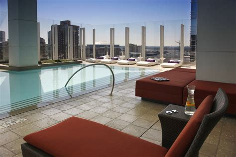 W Hotel Atlanta Rooftop Bar by 16 Rooftop Bars In Atlanta That Are Just Peachy