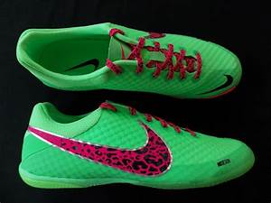 Mens Nike Indoor Soccer shoes trainers Elastico Finale II ...