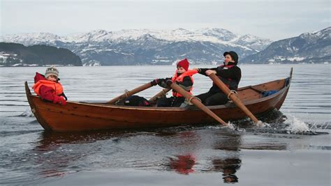 what does tubbed rowing oselvar faering rowing 224 l aviron 3 wooden
