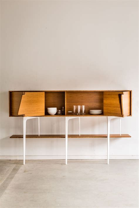 bureau suspendu ikea les 25 meilleures idées concernant meuble tv suspendu sur
