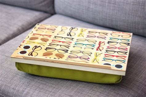 How To Make A Pillow Lap Desk Ehow Interiors Inside Ideas Interiors design about Everything [magnanprojects.com]