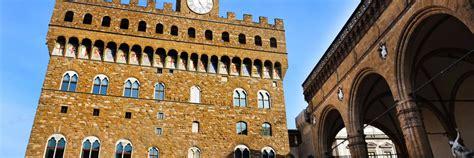 The palazzo vecchio (italian pronunciation: Palazzo Vecchio Guided Tour - ITALY MUSEUM