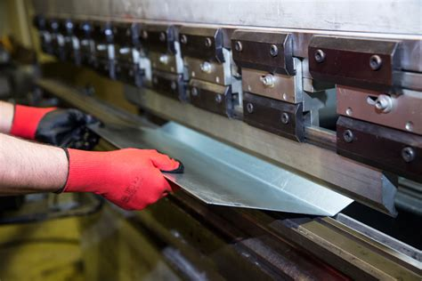 sheet metal workers pay employment hours equality data
