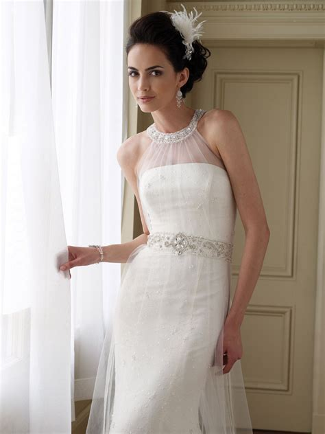 Beautiful Strapless Wedding Dress: A Dress Style to Look