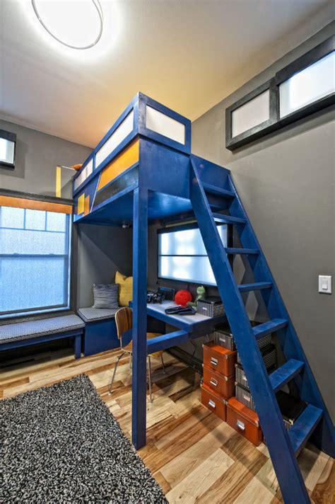 Extreme Home Makeover Bedrooms by ベッドと机をどう配置する 参考になる子供部屋レイアウト33選