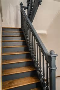 Escalier Bois Peint En Taupe by 17 Meilleures Id 233 Es 224 Propos De Cage D Escalier Noire Sur