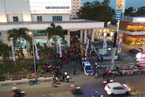 ratusan bikers suzuki meriahkan malam makasar tmcblogcom