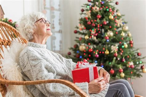 christmas elderly gift ideas for a senior with dementia