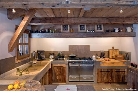 cuisine bois et fer cuisine bois et fer diy table basse style industriel et