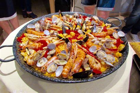 cuisine paella eat paella and tapas at chef teresa 39 s home in barcelona driftwood journals