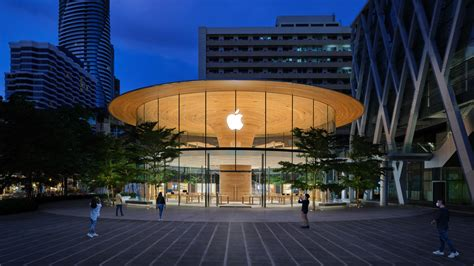 Thailand's largest Apple store opens Friday at ...
