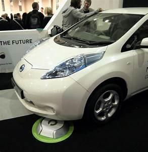 Handyhalterung Auto Wireless Charging : google installs wireless ev charging station wired ~ Kayakingforconservation.com Haus und Dekorationen